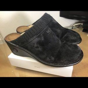 UGG slip on sandal women's.